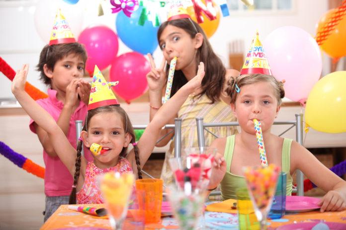 udstyr børnefødselsdag