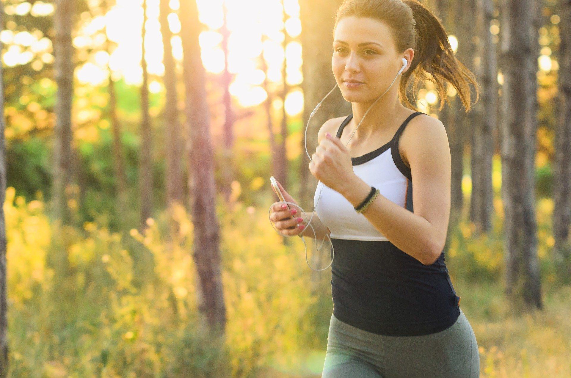 Kvinde jogger